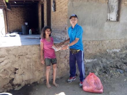 Pemberian Bantuan Paket Sembako untuk Penyandang Disabilitas Desa Bukti